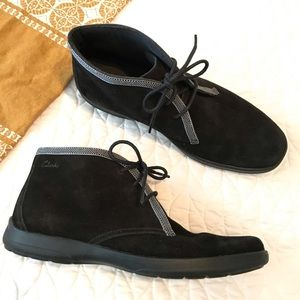 Clarks Black Suede Chukka Boot with Laces Size 10